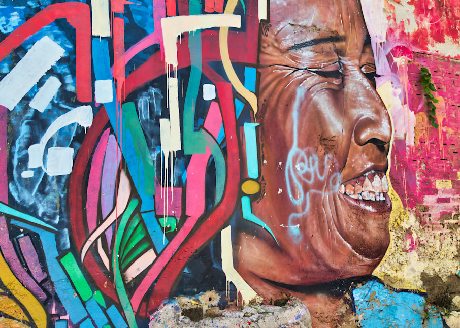 Colombia Smiles | Urban Art Photography Print