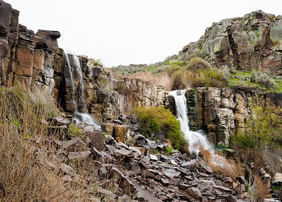 Waterfalls, Potholes Coulee, Grant County, Washington, 2017