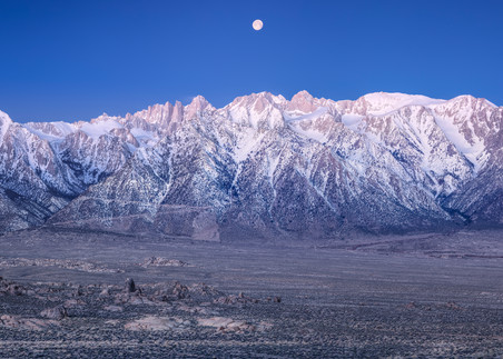 Moonset Over the Eastern Sierra 1:3