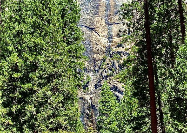 Amazing Rock Formations Yosemite Art   Coat Of Many Colors