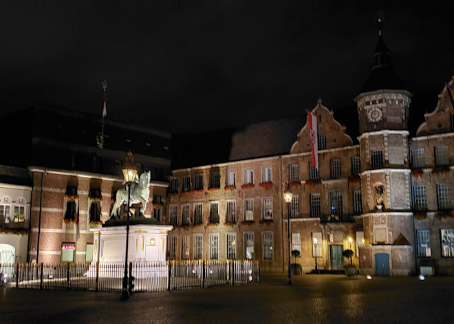 Marktplatz, Düsseldorf, Germany Photography Art   Photoissimo - Fine Art Photography