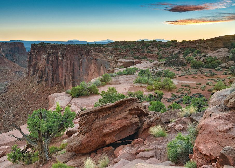 The cliffs of Canyonlands