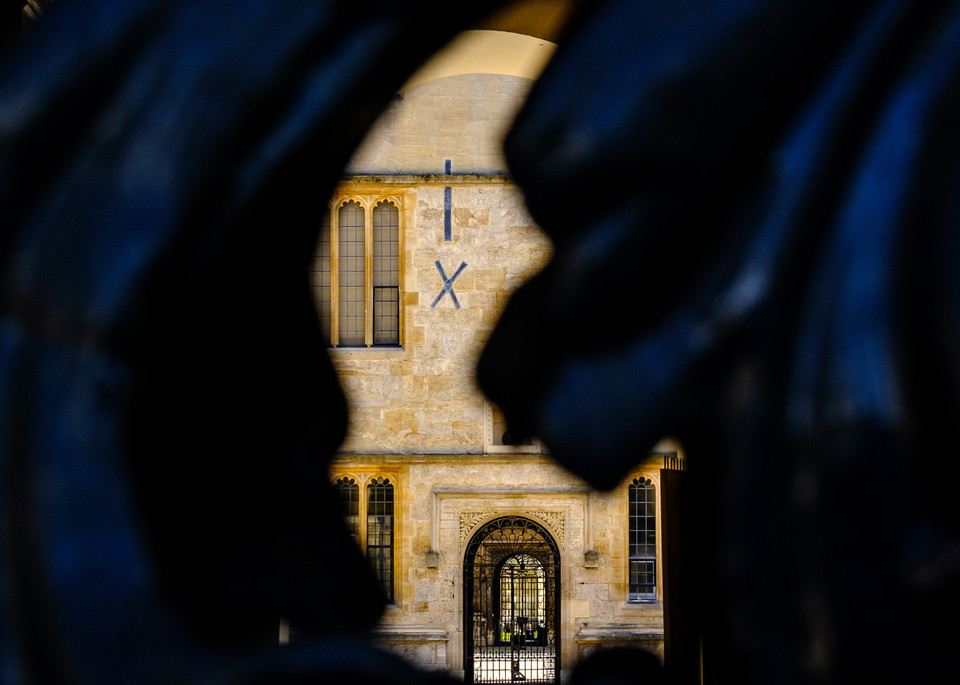 Peeping into the Bodleian Library, Oxford