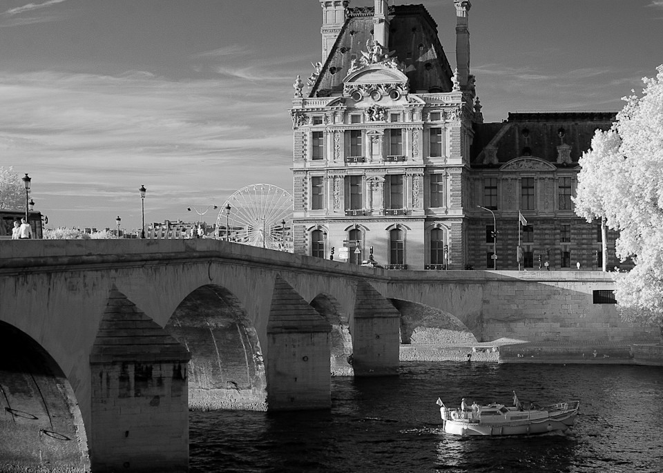 Le Louvre Paris Photography Art | The World in Black and White