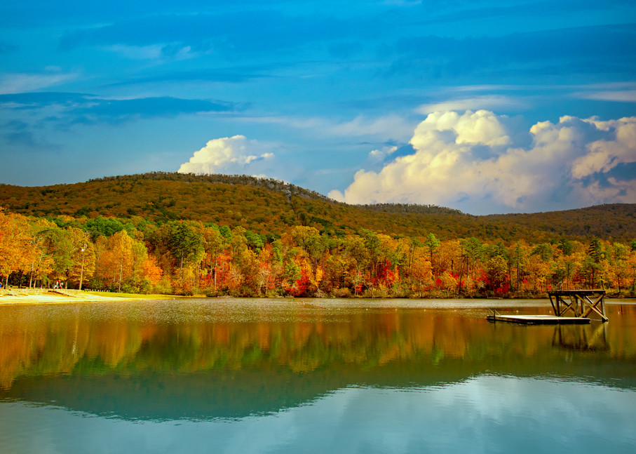Lake Cheaha and the docks at autumn.