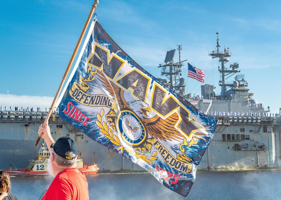 Uss Iwo Jima Homecoming Photography Art | kramkranphoto