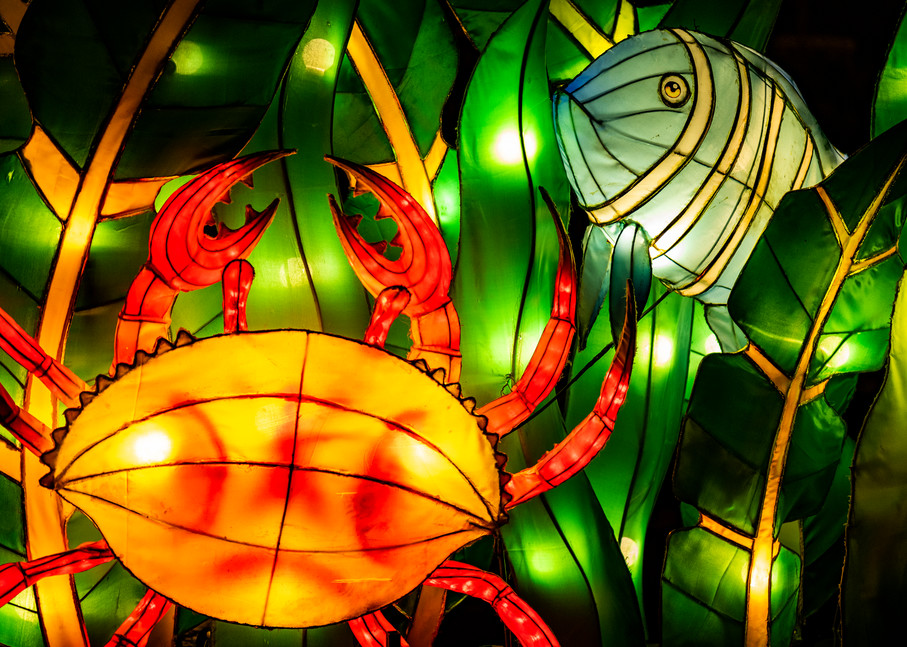 Angry crab lantern sculpture with fish