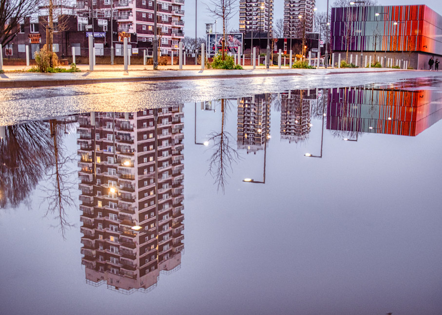 Upside Down In Docklands Art   Martin Geddes Photography