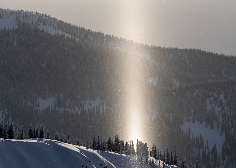 Tom Weager Photography - Light Pillar in the mountains