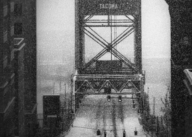 tacoma snow murray morgan bridge