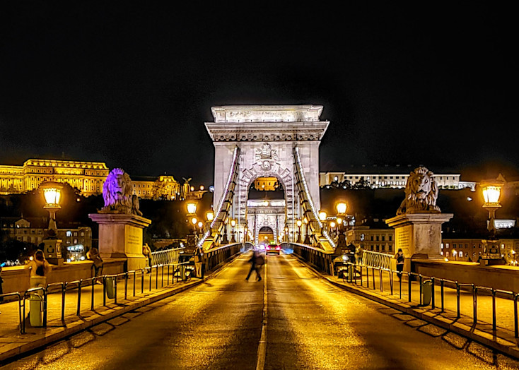 A Chain Bridge Welcome In Budapest Photography Art | Photoissimo - Fine Art Photography