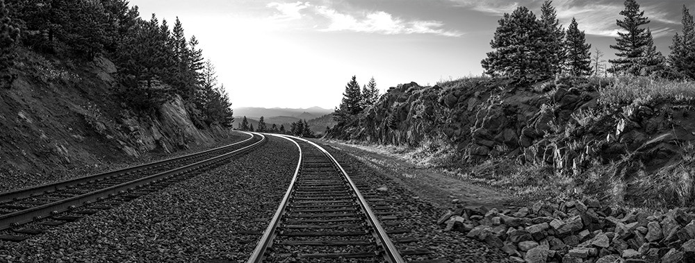 Riding the rails - BW
