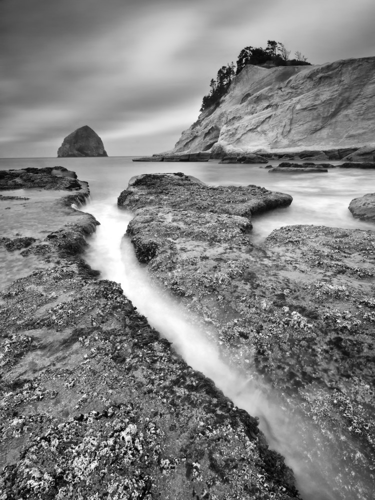"""Kiwanda Slot"" Cape Kiwanda Oregon black and white seascape photograph"