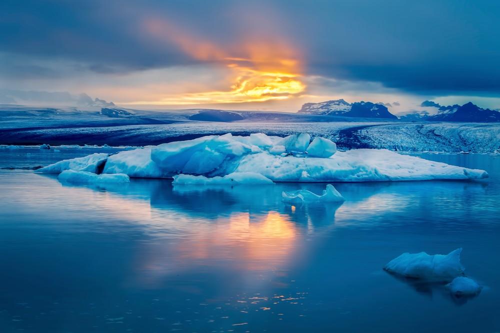 Rays over Glacier Lagoon