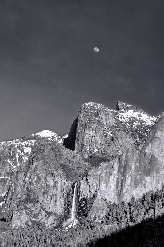 Bridalveil Moon