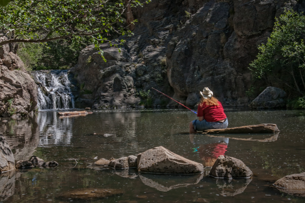 Lone Fisherwoman, d'Ellis Photographic Art photographs, Bill
