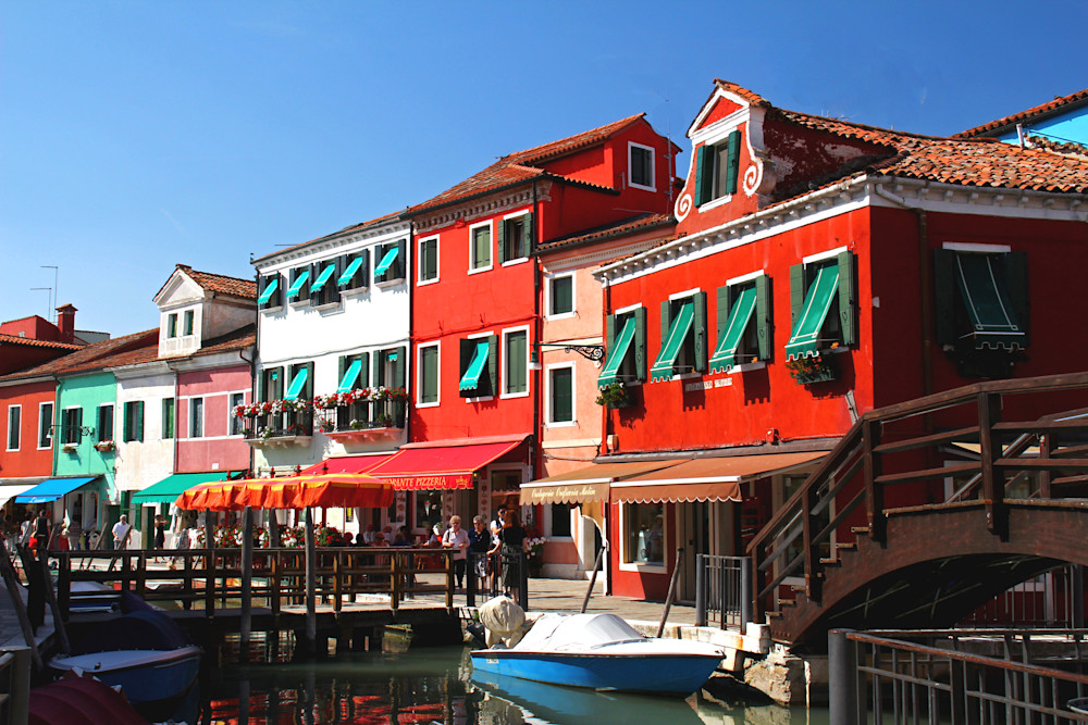 Amazing colored homes and shops in Burano, Italy