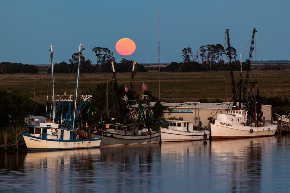 Full Moon in Darien