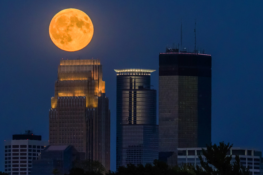 Full Moon Skyline - MPLS Art | William Drew Photography