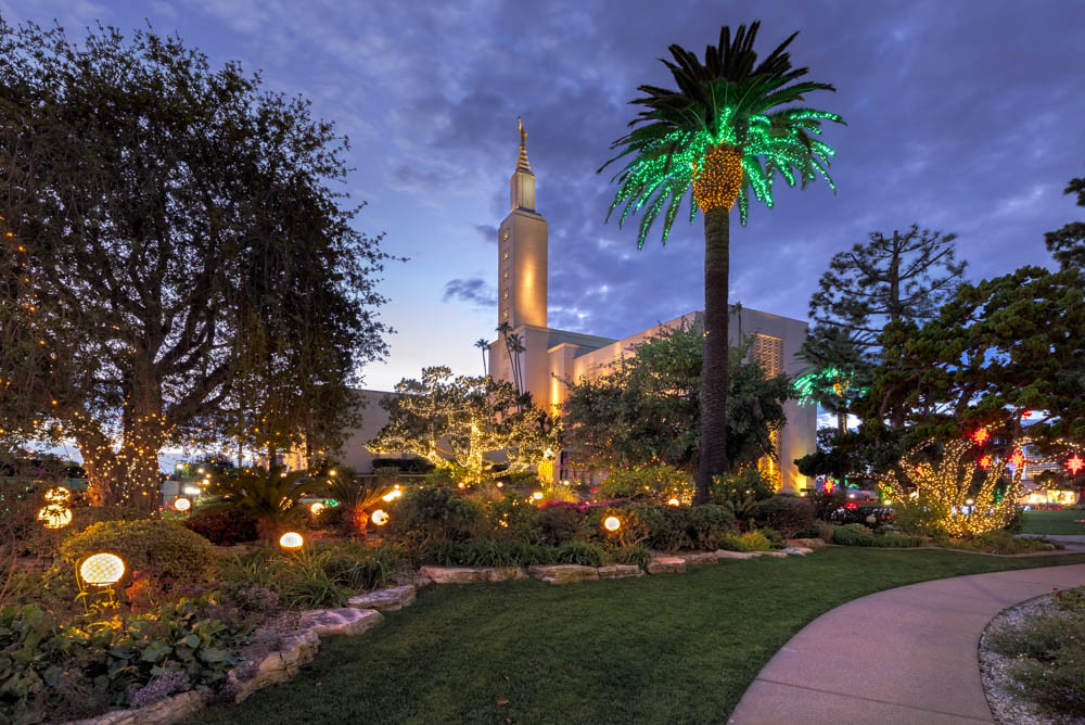 Christmas In Los Angeles.Los Angeles California Temple Christmas Lights