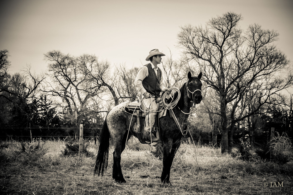 0112 Enjoying Western life