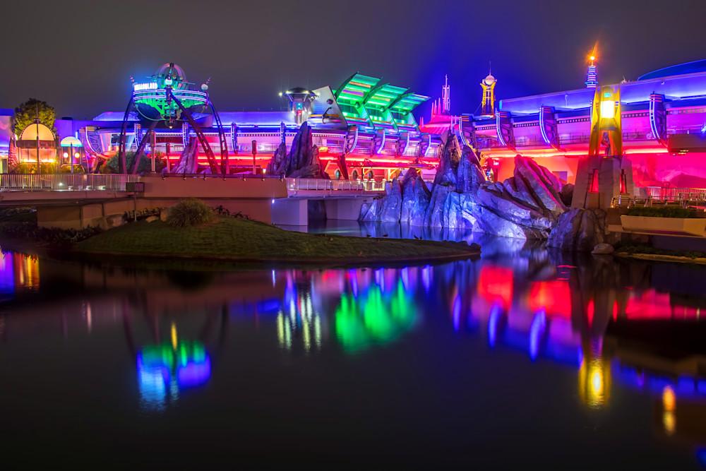 Reflections of Tomorrowland - Disney Art   William Drew