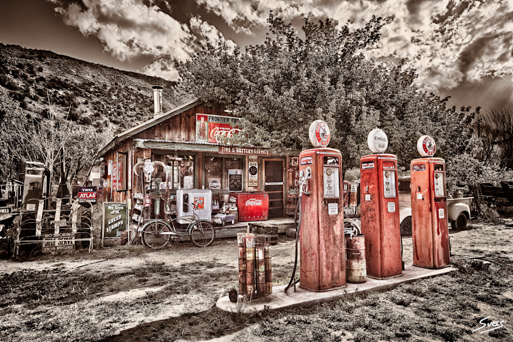 Frontier Gas Station - New Mexico