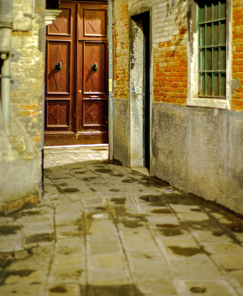 Venice Alleyway | Urban Art Photography Print