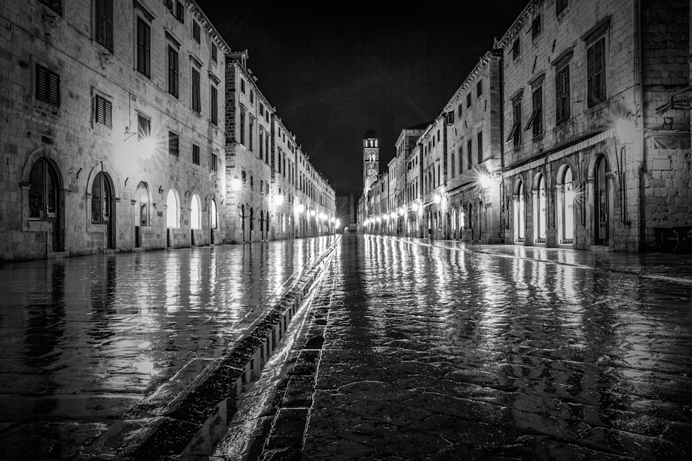 Dubrovnik Stradium Reflection | Black and White Architecture Photography