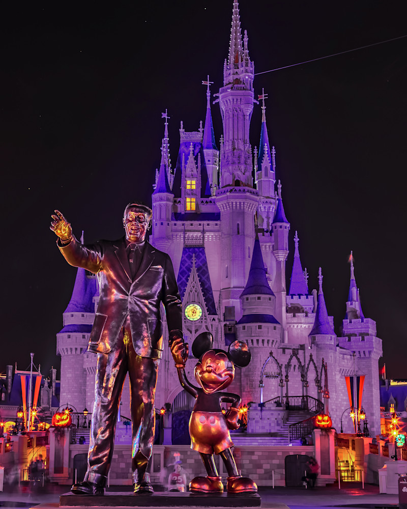 Halloween Partners - Disney Halloween Photos | William Drew