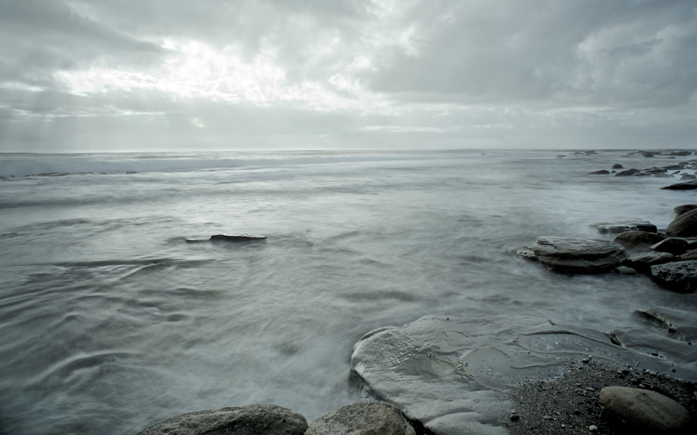 Grey Morning - Stanwell Tops NSW Australia | Black & White
