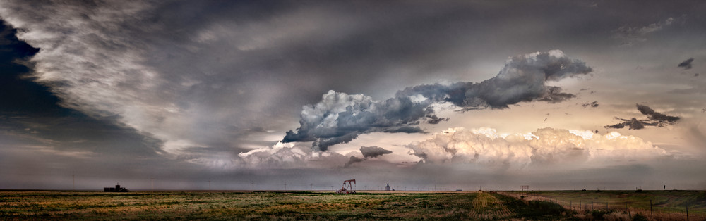 Panoramas/Wide View - color | Western Kansas Cloudscape - color. Wide view of a prairie thunderstorm. Fine art color photograph by David Zlotky.
