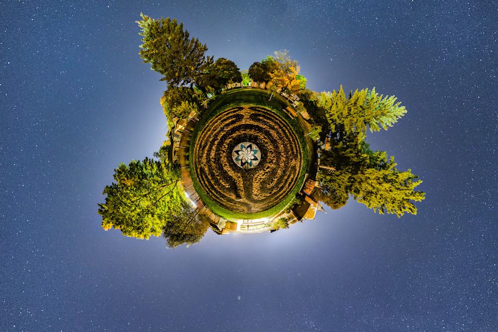 Labyrinth Planet