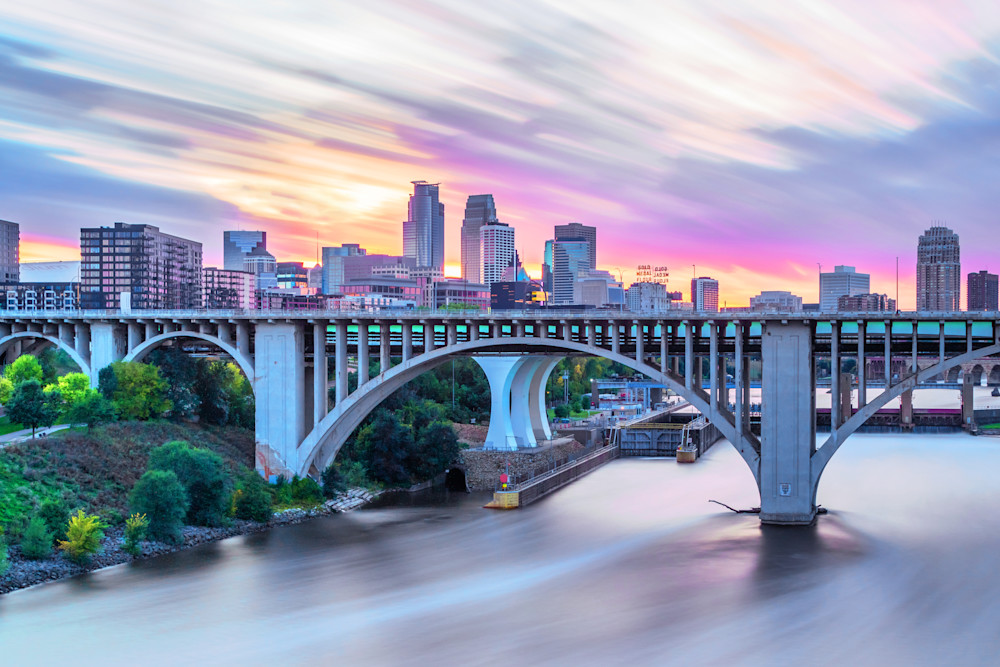 Colorful Minneapolis Sunset - Twin Cities Skyline ...