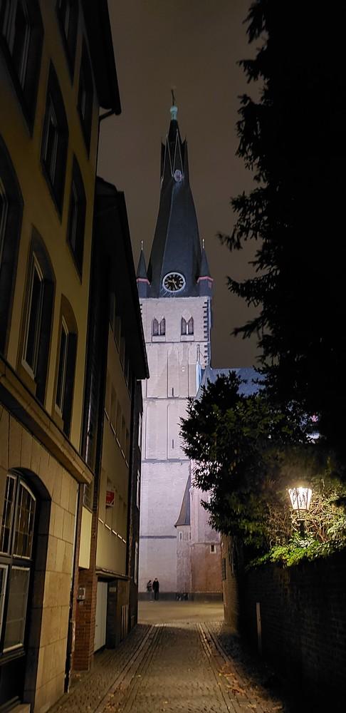 Approaching Stiftsplatz Düsseldorf  Photography Art | Photoissimo - Fine Art Photography