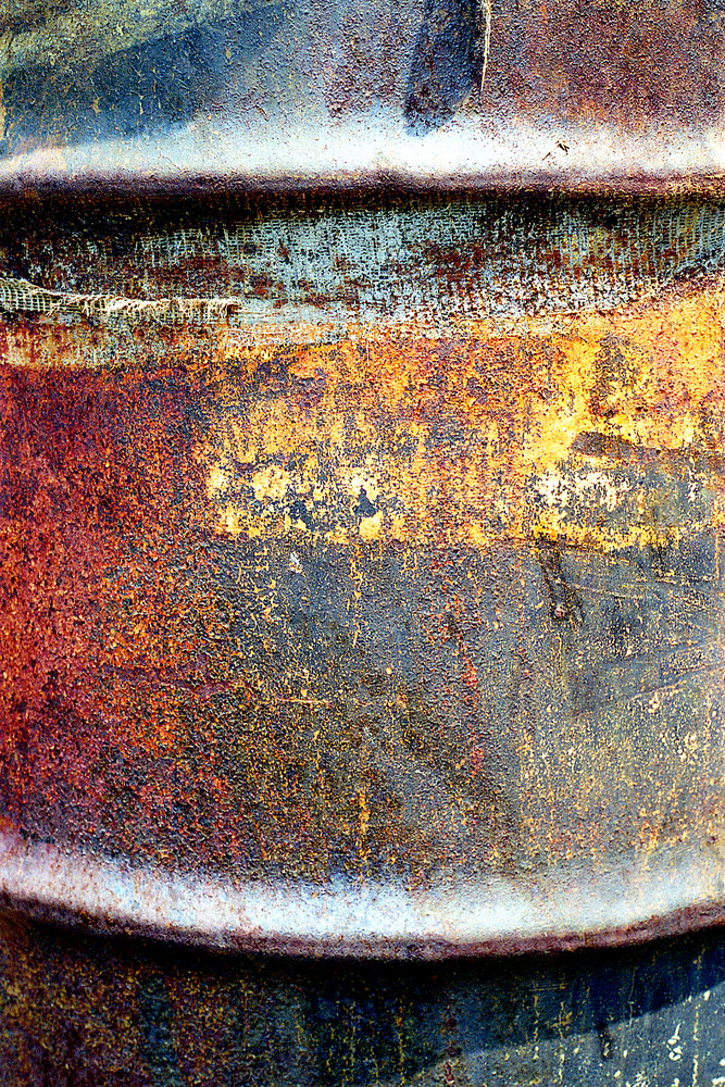 Abstract Oil Drum Fine Art Photo Print – Sherry Mills