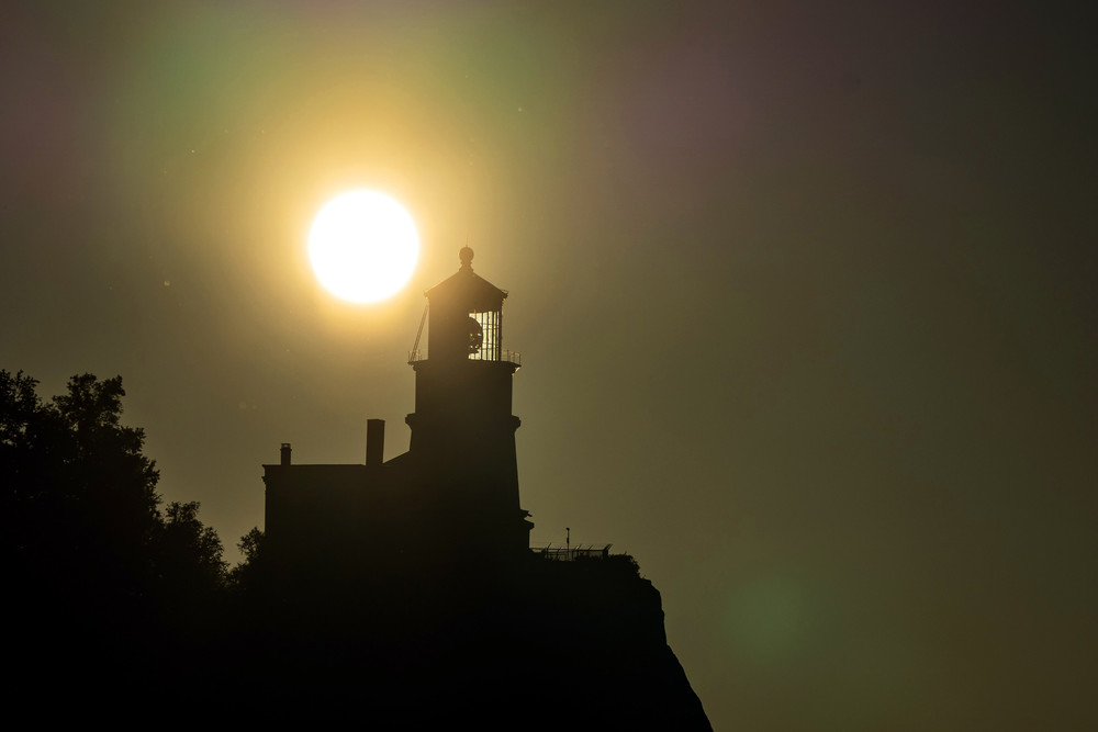 The Rising Sun And Split Rock Lighthouse Photography Art   William Drew Photography
