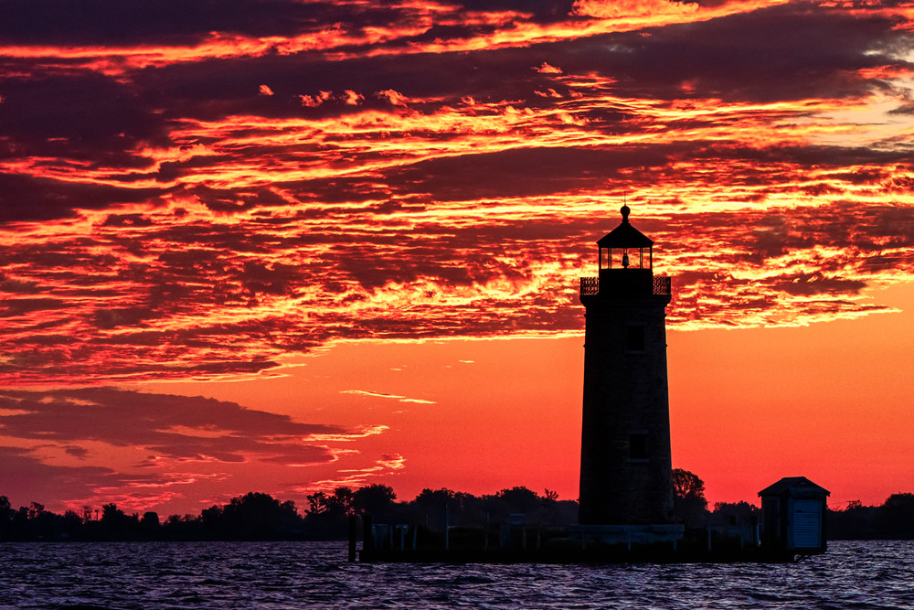 Sunrise over the Lake St. Clair Lighthouse - Michigan fine-art photography prints