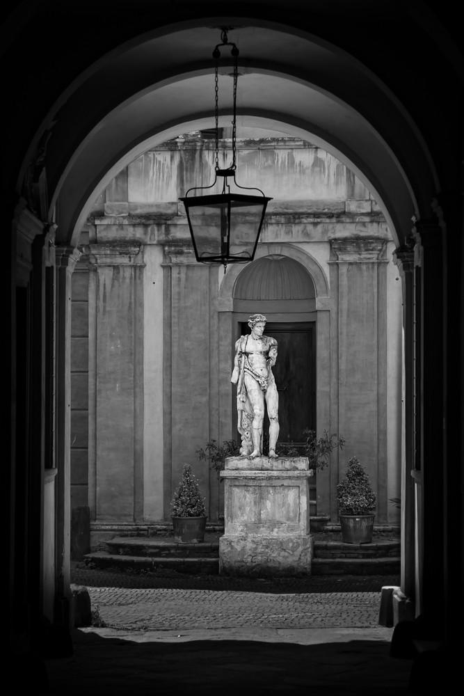 Siena Statue