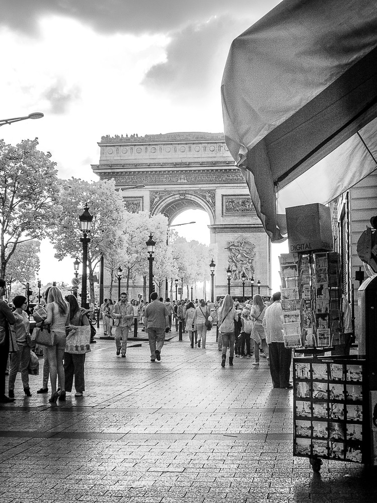 Arc De Triomphe 11x14 Photography Art | The World in Black and White