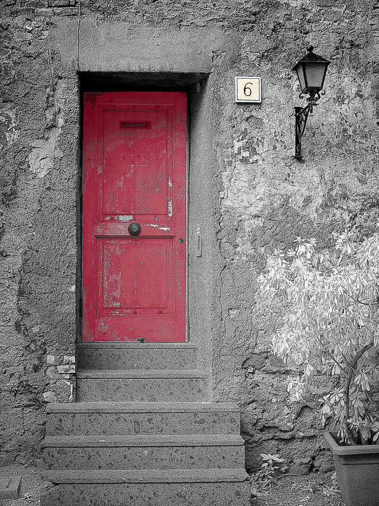 Just Knock Italy Photography Art | The World in Black and White