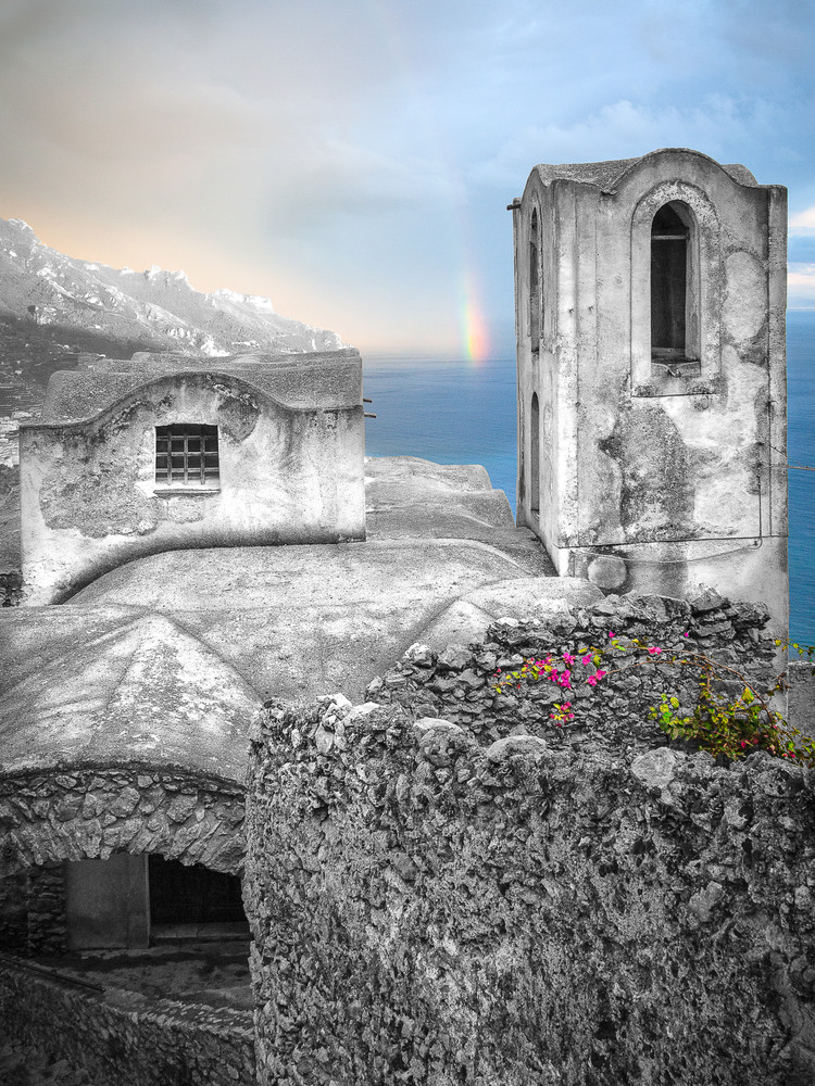 Standing Promise Italy Photography Art   The World in Black and White