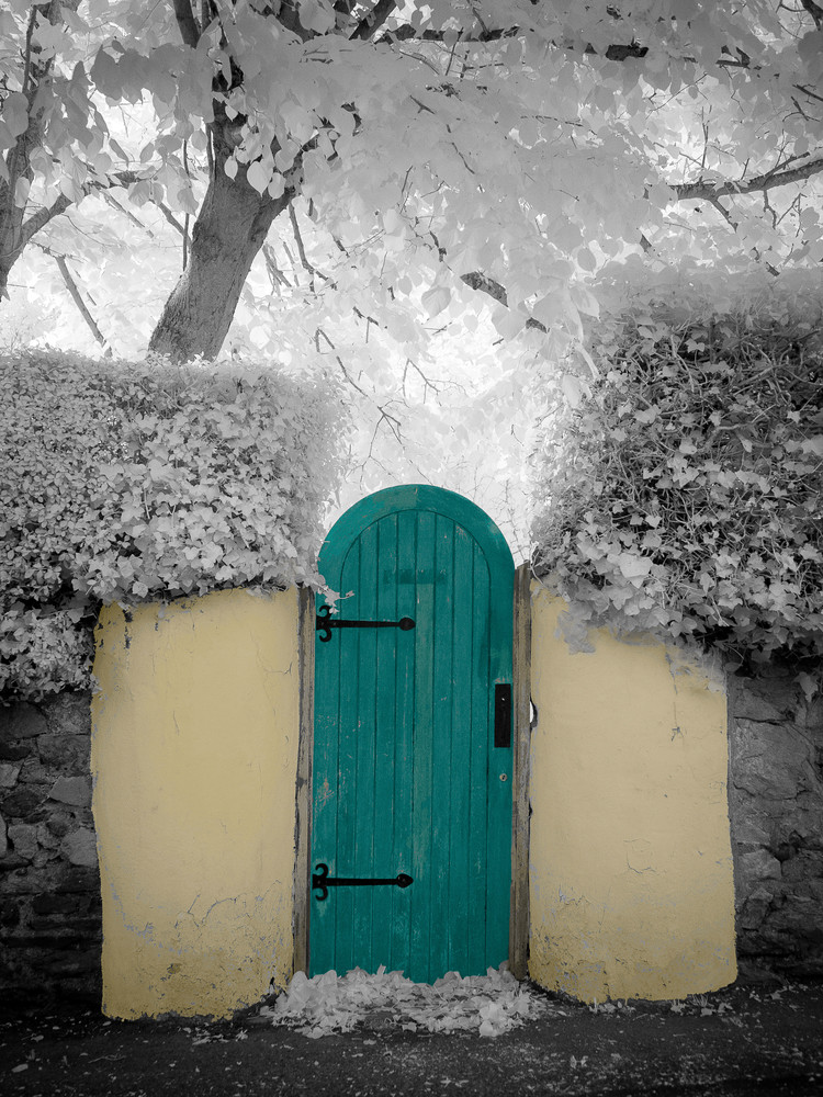 Secret Place Ireland Photography Art | The World in Black and White