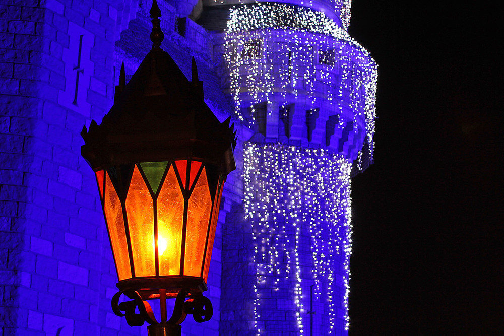 Streetlamp And Christmas Castle Photography Art | William Drew Photography