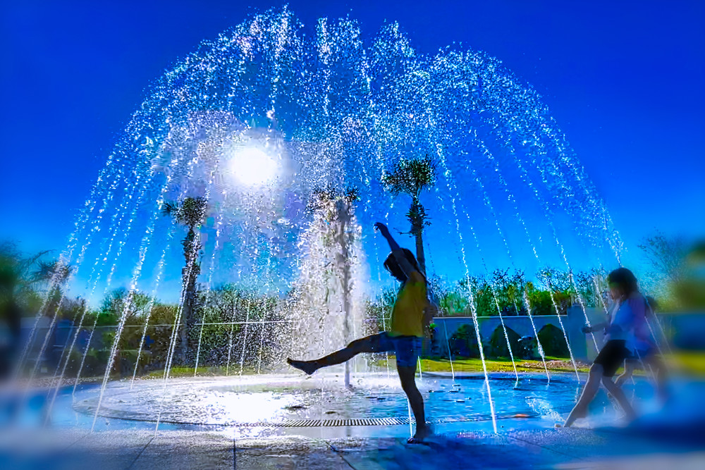 Fountain Dancing Art | Mark Stall IMAGES