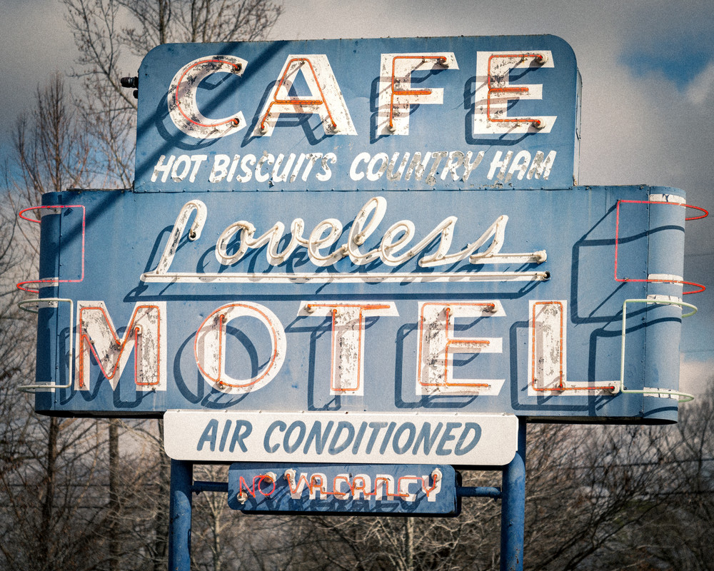 The Loveless Cafe (Vintage Grey and Blue)