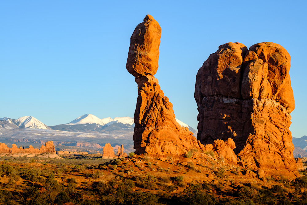 Balanced Rock in Arches National Park, Moab, Utah USA