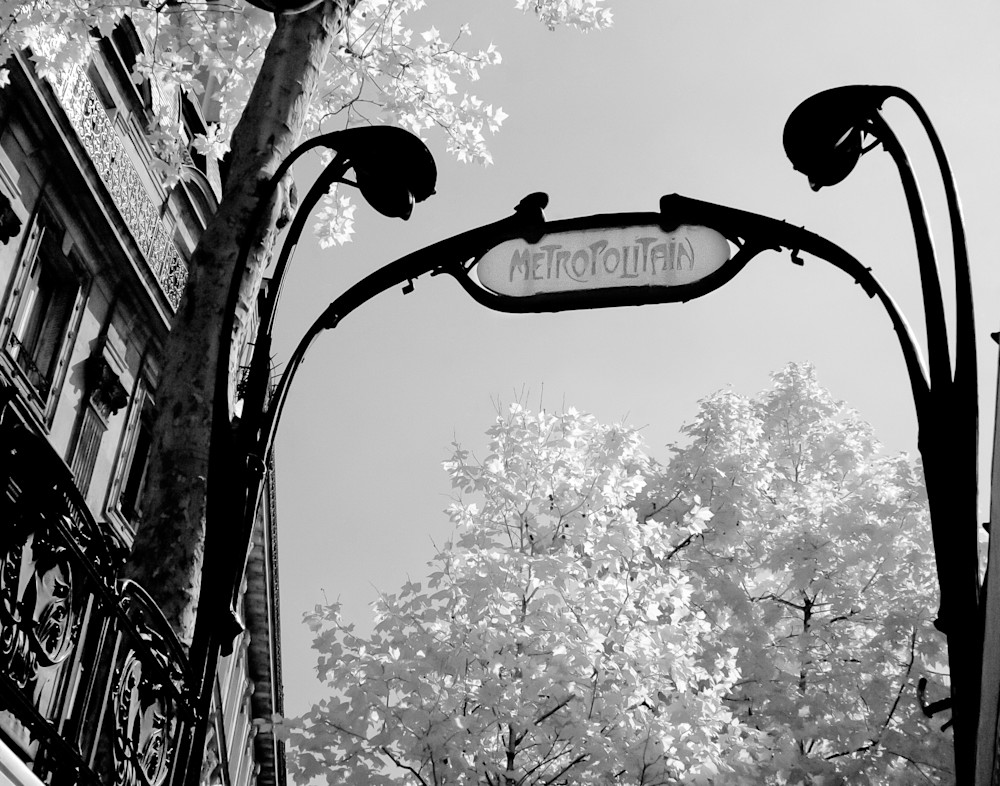 Paris Metro Photography Art | The World in Black and White