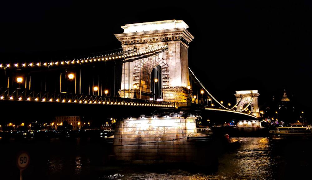 The Chain Bridge In Budapest Photography Art   Photoissimo - Fine Art Photography