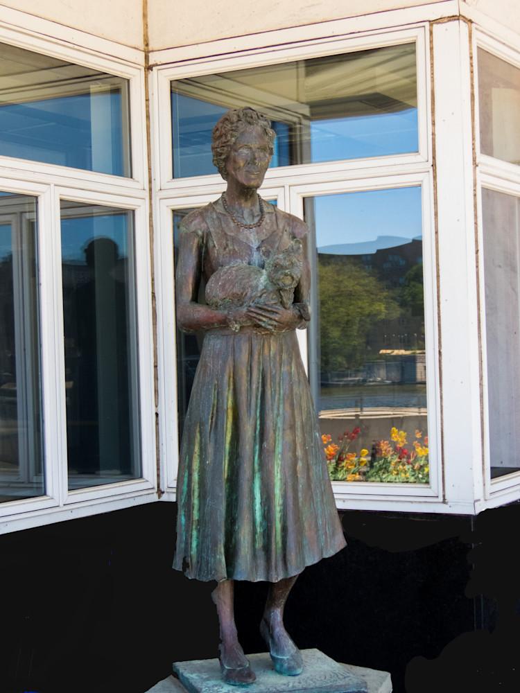 Dellora Norris Statue Photography Art | Lake LIfe Images